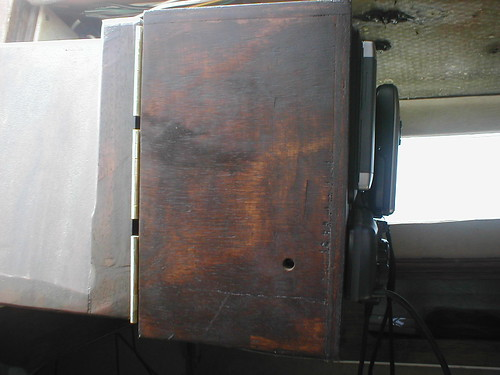 Instrument box supporting bracket