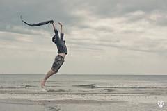 Lvitation (Giuntini Jonathan) Tags: canon jump levitation saut jg lvitation canon450d 1855is