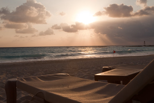 Sunrise at the Westin Cancun by pdbreen.
