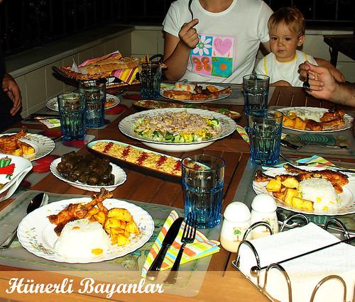 Ayşem-Selen Akşam Yemeği
