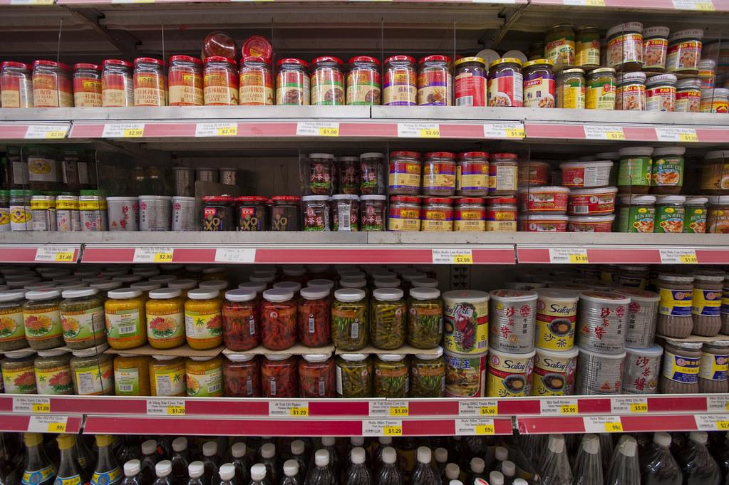 Variedad de productos en un supermercado