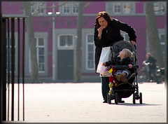 Hungry Mom (photonewbie69... back from vacation) Tags: city light people holland feet netherlands face bicycle kids canon maastricht eos licht eyes gesicht colours shadows dof bokeh colourful fsse 1000 farben objektiv paololivornosfriends canoneos1000d updatecollection