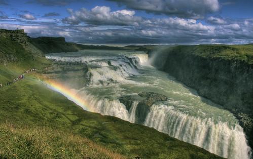 Gullfoss y un arco iris
