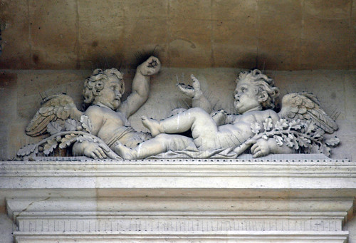 2009.04.16.103 PARIS - Saint Louis des Invalides - angelots