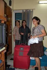 Packing up .. (Ritesh Kapur) Tags: me july neha mumbai deepa 2009 ipsita bandraworlisealink sherepunjab breakfastincar july262009