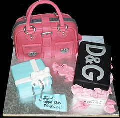 21st Handbag Birthday (glasgowcakestudio) Tags: cake birthdaycake handbagcake 21stbirthdaycake pursecake shoppingcake