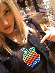 Apple logo light up tshirt (ijustine) Tags: light apple mobile shirt blog tshirt applelogo iphone justineezarik ijustine iphonephoto takenwithaniphone
