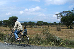 new tecnologies (sirca1) Tags: africa family people bicycle cristina masai ethnia arquimbau