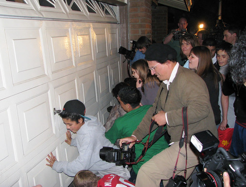 Paparazzi swarm Nadya Suleman's garage (Lou Ponsi/Orange County Register)