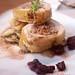8 Arrollado de Pollo con Foie y salsa grosellas cocina