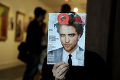 Edward at the Salon (diyosa) Tags: magazine seth twilight harrypotter edward hairsalon gq headcover robertpattinson doublecappucino edwardcullen