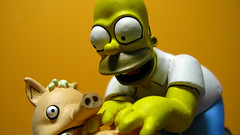 Spiderpig y Homero 0660 (MOiSTER) Tags: wallpaper closeup widescreen homer thesimpsons fondodeescritorio spiderpig puercoaraa