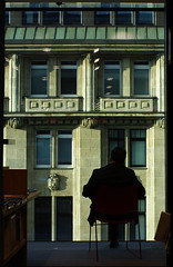 La Silueta (It's Stefan) Tags: man silhouette germany buch lesen reading leer libro books bookstore nrw silueta libros lecture bookshop dsseldorf libreria lire lectura literacy bcher leggere librairie librera buchhandlung    lektre legger  pentaxk20d   booksellersshop