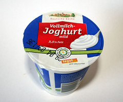 04 - Zutat Vollmilch-Joghurt