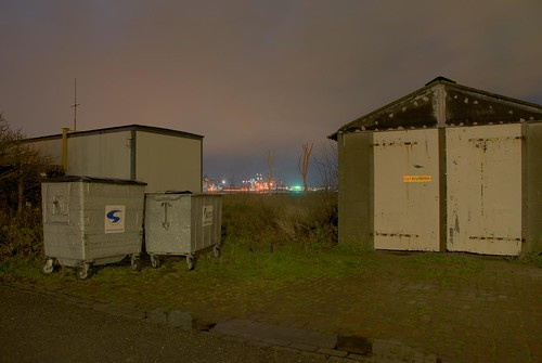 Photography from 'Botlek Stalker', 2008 - HDR night photography by Stephan Schmidt, Rotterdam
