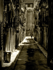 lissabon - street 7 (riisli) Tags: street people white black sepia lisboa lissabon platinumphoto anawesomeshot