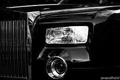Rolls-Royce Phantom (Jeroenolthof.nl) Tags: uk england bw white black london beautiful car modern photography grey lights is amazing nice movement jeroen nikon view shot britain united rear great d70s kingdom rollsroyce automotive 45 east explore arab londres gb if paparazzi rolls lovely middle nikkor phantom zwart wit londra coupe exclusive royce engeland doha qatar londen zw 1870 f35 automotion olthof drophead wwwjeroenolthofnl jeroenolthofnl jeroenolthof