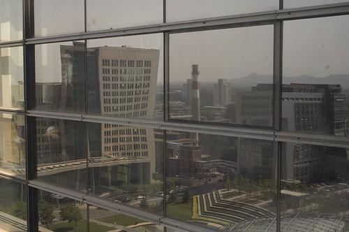 nEO_IMG_postmodern-building-7495