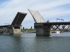 Burnside Bridge (ChrisYunker) Tags: oregon portland willametteriver fleetweek uscoastguard burnsidebridge