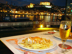 Francesinha (stukinha) Tags: birthday city cidade food reflection portugal water beer rio yellow gua night dinner river restaurant boat europa europe barco view drink comida restaurante egg north transport centro tasty amarelo porto fries transportation meal douro imperial vista noite cerveja sight typical gaia aniversrio litoral reflexo jantar delicioso oporto copo batatas norte transporte superbock especial bebida chopp ovo fritas stuka tradicional fino tpico vilanovadegaia francesinha petisco nhamy estrelado challengeyou challengeyouwinner stukinha anacompadre thechallengefactory arderio