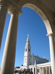 Fatima (QuigleyOfTexas) Tags: portugal madonna duomo tre fatima maggio portogallo colonne santuario pastorelli