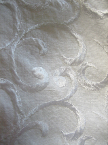 embroideredlinen