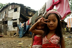 Princesses (Keithernesto) Tags: miguel san philippines samsung illegal manila slum reportage settlements payatas nx10