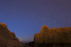 Un cielo lleno de estrellas (Irantzu Arbaizagoitia) Tags: longexposure beach night stars landscape paisaje estrellas nocturna getty gettyimages curator largaexposicin beachatnight curators laarna