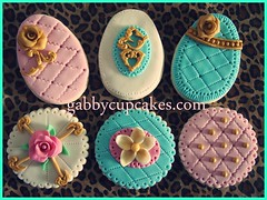 Vintage Easter Cookies (♥ gabby cupcakes by Gabriela Cacheux) Tags: cute cakes vintage cupcakes chocolate sugar icing vanilla sugarcookies fondant cookes royalicing vanillacookies fondantcupcakes sugarroses