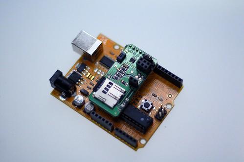 (c) 2009 D. Cuartielles, Arduino color with microSD module