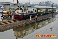 The Inspections Trains, Flood, and Reflections........... (Ian Antono-CC20327) Tags: reflections indonesia flood trains sidoarjo porong touristtrains geu18c cc20118r klbdjokokendil