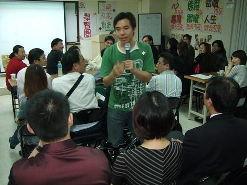 你拍攝的 20090319益讀俱樂部_鄭匡宇就是愛被罵fuji035.jpg。