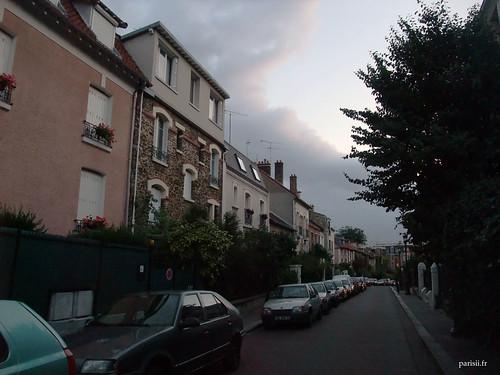 Peu de gens dans les rues de la Campagne à Paris