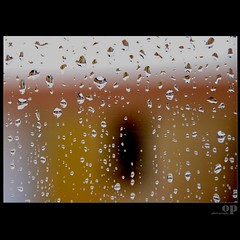 Fata Morgana (rain drops on my window) (Osvaldo_Zoom) Tags: window rain lens drops magic optical mirage optic refracting magica fatamorgana strettodimessina morganlefay explored14
