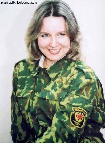 Девушки в армии, со всех стран мира!  (71 фото)