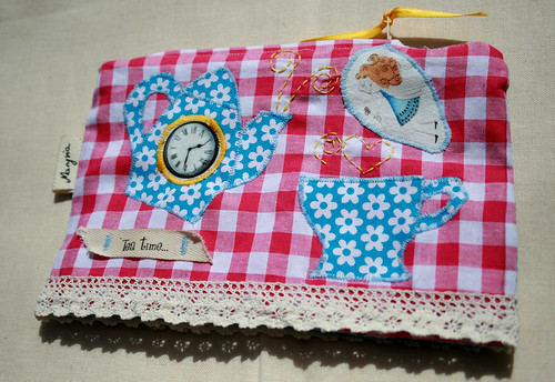 pink and blue tea time pouch