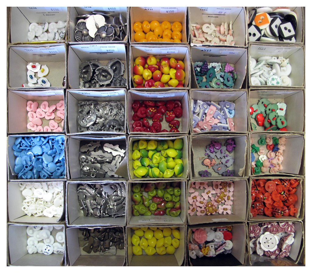 Vintage Novelty Buttons