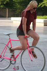 IMG_5980 (art.arcinas1) Tags: park plaza city pink boy party urban guy girl bike bicycle festival skyline architecture race speed cat fun frames alley downtown cityscape open nashville good tennessee capital wheels group over fast rail gear tricks fixed pedal wheelie kio trackstand legislative skumlife