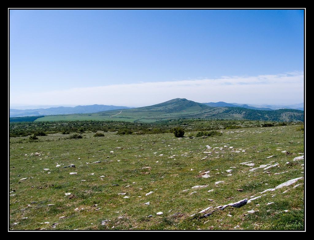 Cabezón de Echauri desde la cima del Mortxe