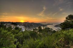 tramonto HDR (Mauro Taini) Tags: sunset sea sky espaa sun water clouds canon tamron hdr 1024 eos450d hdrcreativeshots