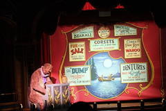 Gomer on the Piano (Scott Hanko) Tags: disney waltdisneyworld magickingdom disneysmagickingdom