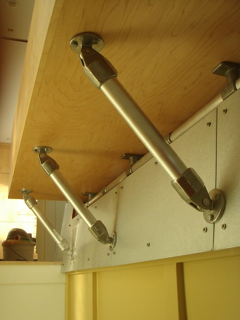 Architectural Supports Made With Kee Klamp Pipe Fittings