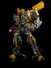 Dark of the Moon : Leader Class Bumblebee (1) (frenzy_rumble) Tags: camera matrix transformer evil icestorm hook custom commission fr sunstorm autobot reflector spyglass scavenger viewfinder mixmaster decepticon scrapper lacquer kitbash devastator pretender longhaul bonecrusher spectro combiner enamels thunderwing houseofkolors frenzyrumble frenzyrumblecom procustomizers peaugh seekershockwave