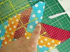 058 (super_ziper) Tags: flowers flores diy quilt sewing flor steps craft sew super bolinhas fabric patch dots patchwork tutorial pap maquina tecido ziper costura iniciantes passoapasso façavocêmesmo superziper divania