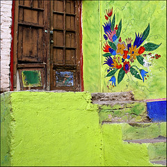home sweet home ~ step up to my door (uteart) Tags: square mexico colorful jalisco explore chapeau frontpage derelict homesweethome myfave ajijic olddoor greenwall aprilfool aprilfoolsday 1april explorefrontpage utehagen uteart nobodyliveshere explore040109 stepuptomydoor
