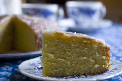 Come for tea,there's cake! (Hazy Days) Tags: china old blue white home cake lemon very sugar loveit made cotton tablecloth sponge coalport loveittoo actuallyabedspread comeforteatherescake