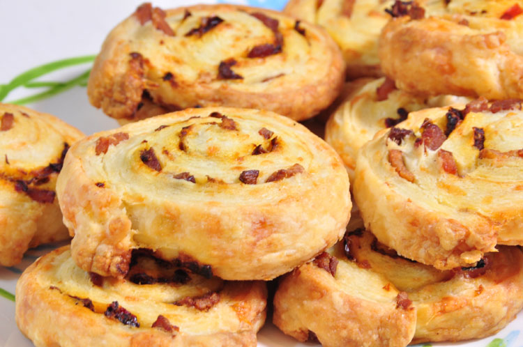 puff pastry biscuits with cheese and bacon and chipotle in adobo