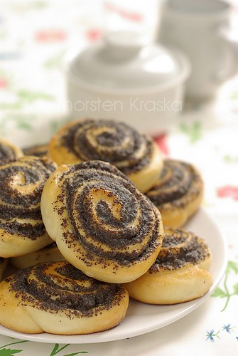 Mohnschnecken (German Poppy Seeds Sticky Buns)