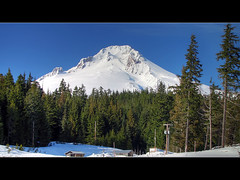 Mount Hood Oregon - HDR (David Gn Photography) Tags: trees sky snow oregon skiing 1001nights soe mounthood hdr skilodge twop mountaincabin awesomeshot photomatix platinumheartaward canonpowershotsx1is platinumpeaceaward