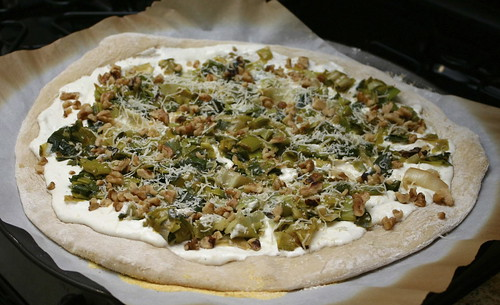 Leek, Chèvre & Walnut Pizza